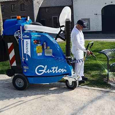 Request a demo of the Glutton® H₂O Perfect® vacuum cleaner